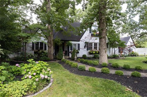 Photo of 7 Woodhaven Road, Webster Groves, MO 63119 (MLS # 21061149)