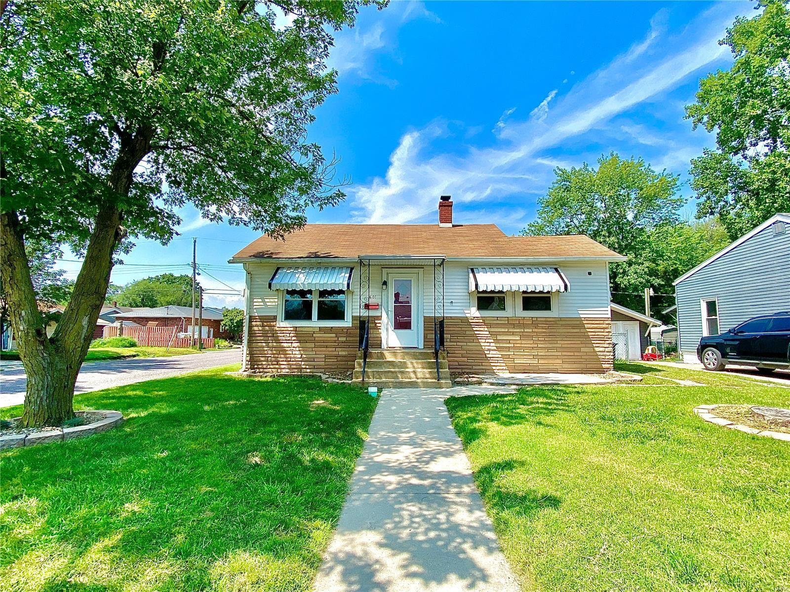 601 LINCOLN, East Alton, IL 62024 - MLS#: 21060158