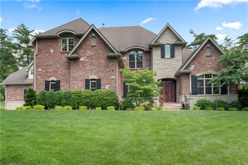 Photo of 24 Williamsburg Estates Drive, Town and Country, MO 63131 (MLS # 21041173)