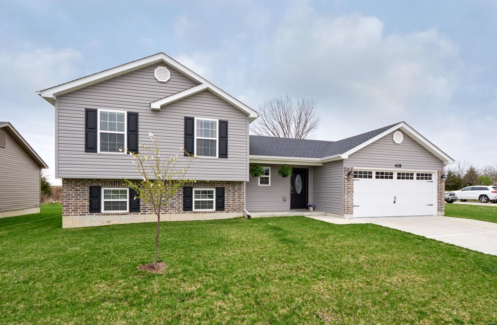 428 Honeysuckle Creek Drive, Wentzville, MO 63385 - MLS#: 20021178