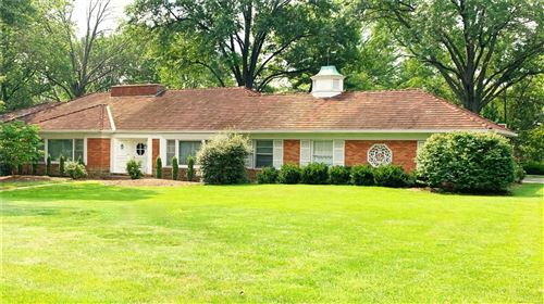 Photo of 16 Country Aire, Town and Country, MO 63141 (MLS # 21051185)