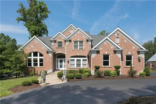 Photo of 2427 N Ballas Road, Town and Country, MO 63131 (MLS # 21042186)