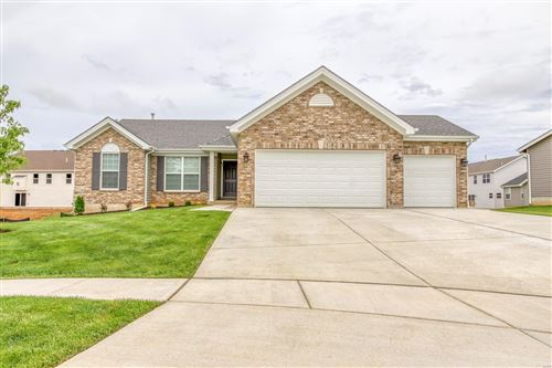 Photo of 527 Horseshoe Bend, Wentzville, MO 63385 (MLS # 20045198)