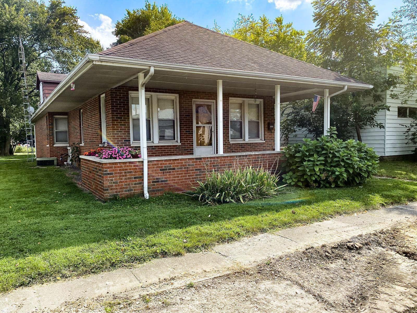 212 W Burton Street, Gillespie, IL 62088 - MLS#: 21066199