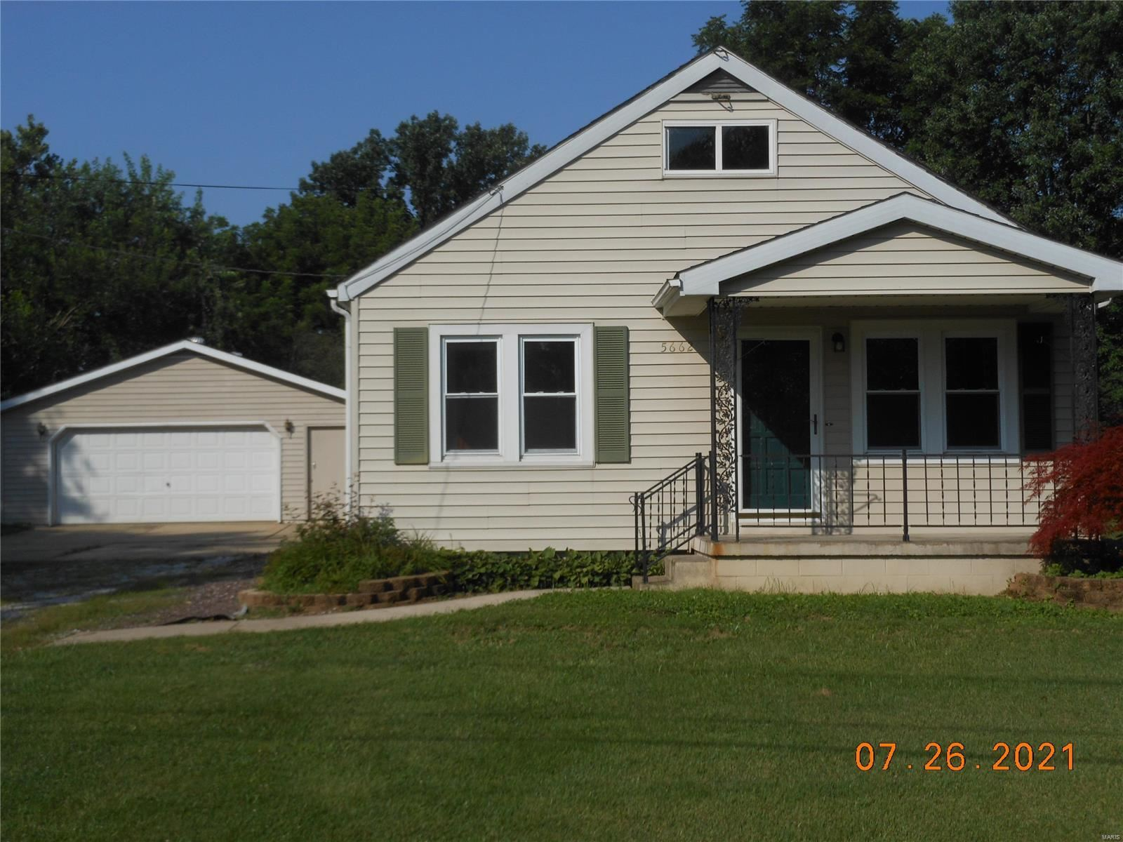 5662 W Milspring Circle, Godfrey, IL 62035 - MLS#: 21053200