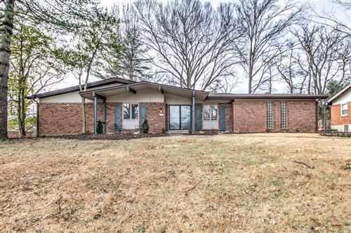 Photo of 769 Country Manor, St Louis, MO 63141 (MLS # 20004205)