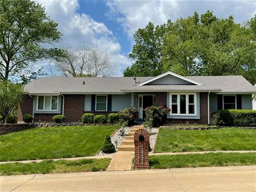 Photo of 15425 Highcroft Dr, Chesterfield, MO 63017 (MLS # 21030225)