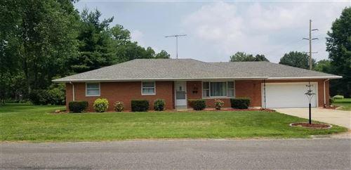 Photo of 367 W High Street, Nashville, IL 62263 (MLS # 21052253)