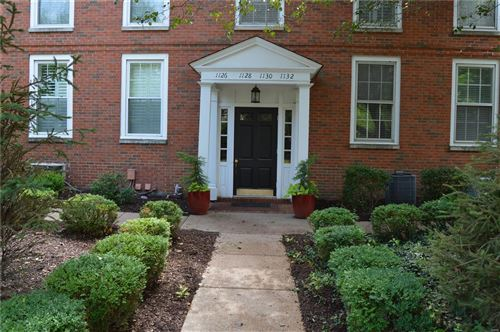 Photo of 1130 S Mason, Town and Country, MO 63131 (MLS # 21045257)