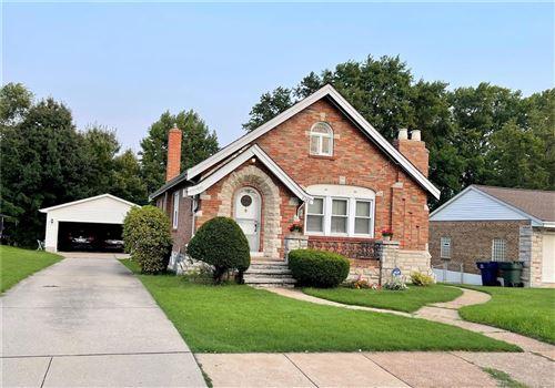 Photo of 7106 Sharp Avenue, St Louis, MO 63116 (MLS # 21055274)