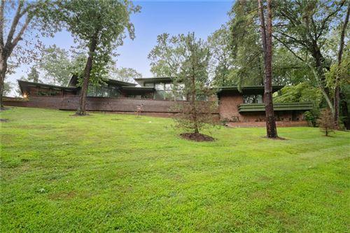 Photo of 1700 Warson Estates, St Louis, MO 63214 (MLS # 21063279)