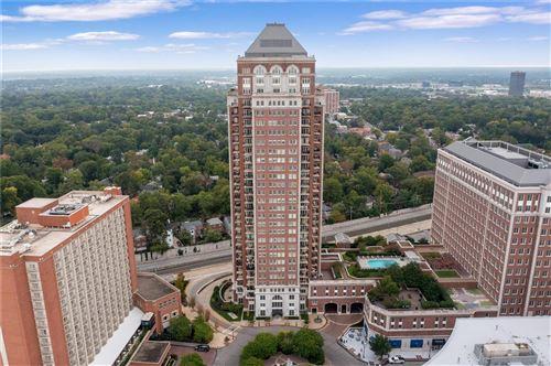 Photo of 150 Carondelet Plaza, St Louis, MO 63105 (MLS # 21072288)