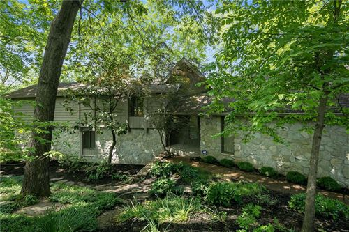 Photo of 44 Chesterfield Lakes Road, Chesterfield, MO 63005 (MLS # 20003289)