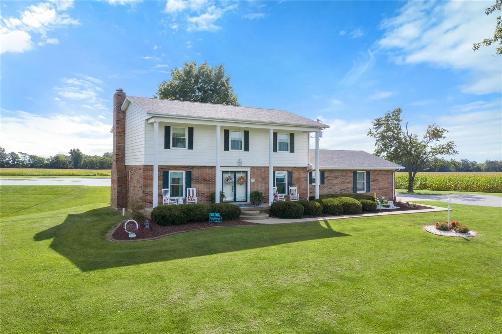 Photo for 2592 Hickory Creek Road, Dubois, IL 62831 (MLS # 20017311)