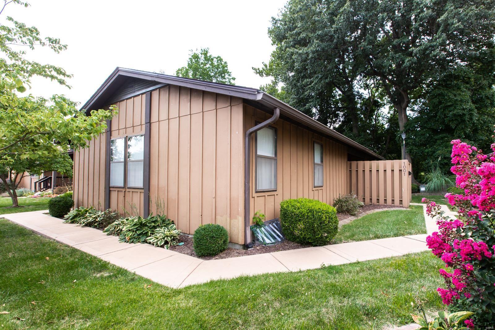 1001 Hamtpon Court, Belleville, IL 62223 - MLS#: 21060314