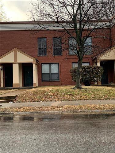 Photo of 767 Walton Avenue #4, St Louis, MO 63108 (MLS # 21002334)
