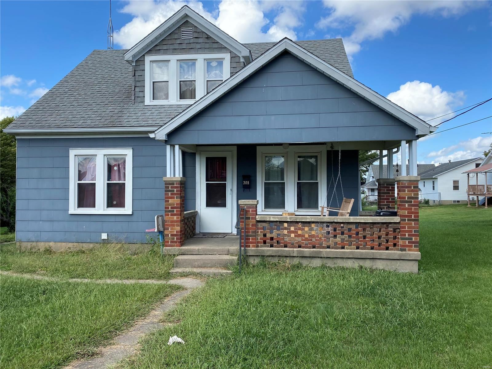 Photo of 308 Grand Avenue, Perryville, MO 63775 (MLS # 21067336)