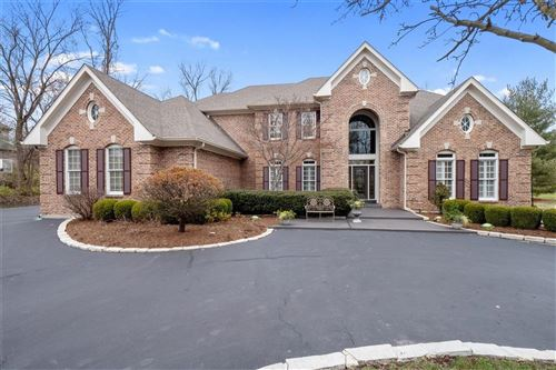 Photo of 11339 Mosley Forest Drive, Creve Coeur, MO 63141 (MLS # 21000341)