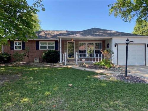 Photo of 39 Villa Drive, Granite City, IL 62040 (MLS # 21044341)