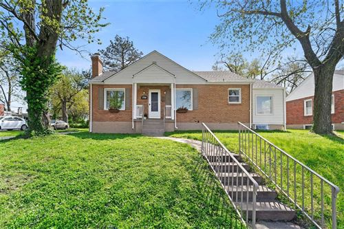 Photo of 1736 Crystal Court, St Louis, MO 63130 (MLS # 21024348)