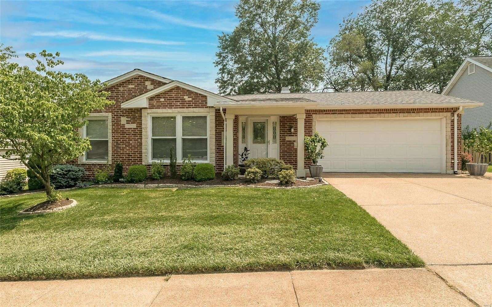 Photo for 13454 Land O Woods, Chesterfield, MO 63141 (MLS # 21052400)