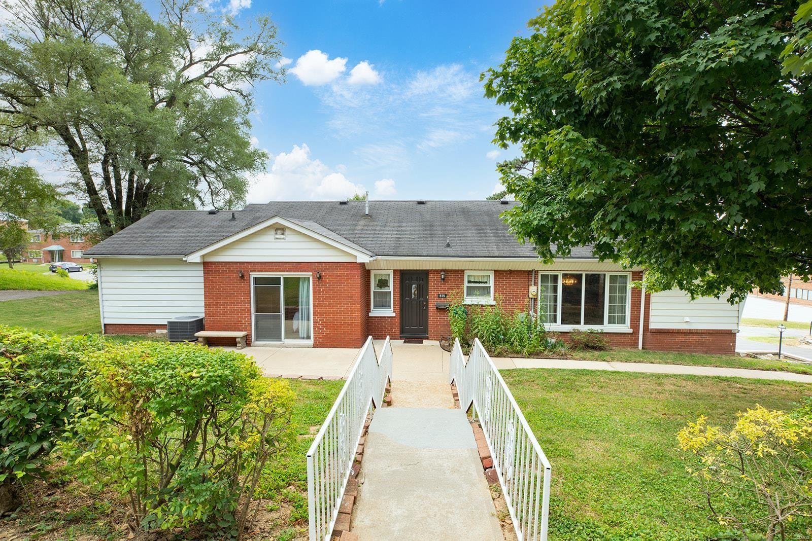 515 Oak Street, East Alton, IL 62024 - MLS#: 21067405
