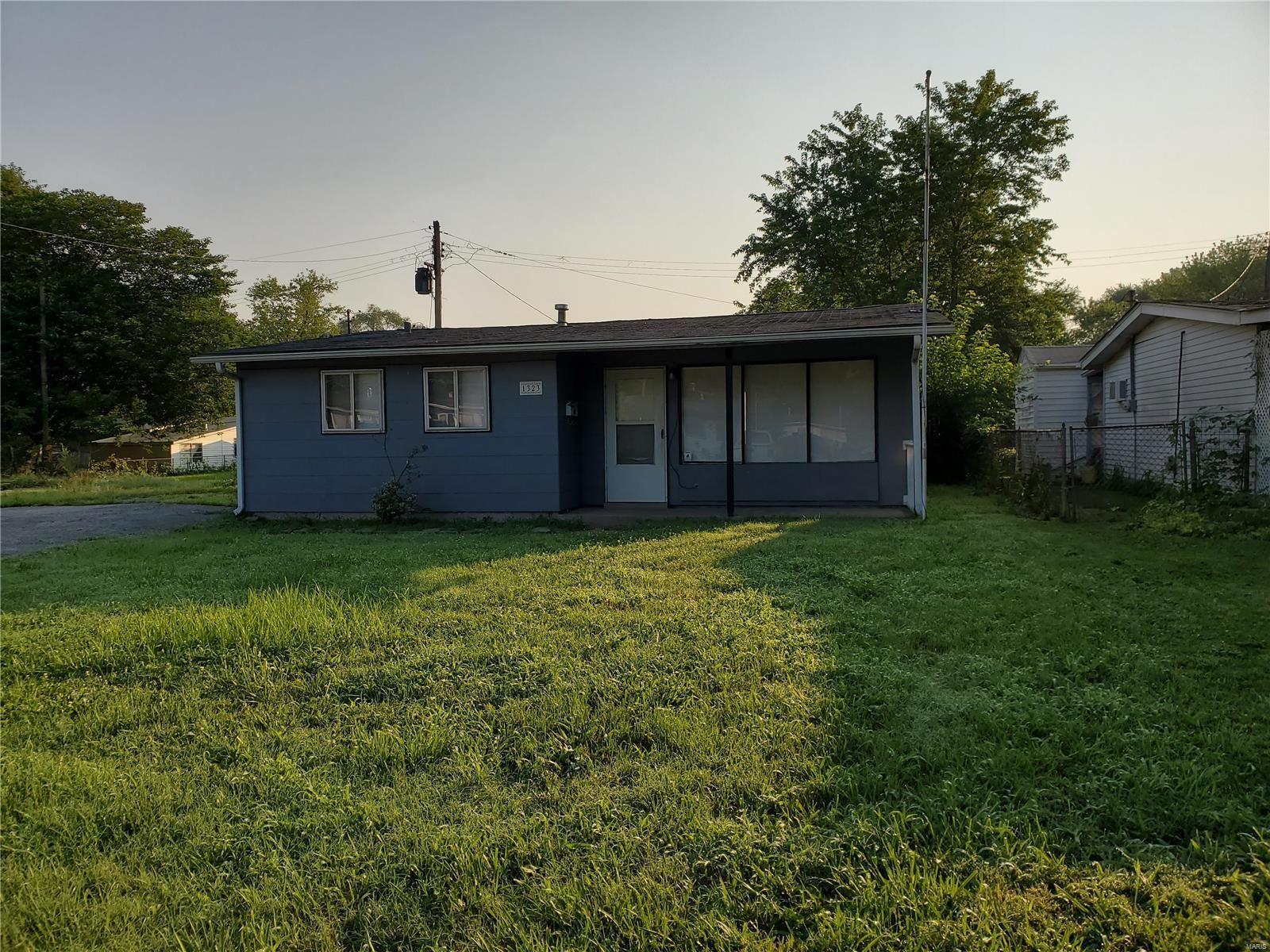 1323 Saint Zita Lane, Cahokia, IL 62206 - MLS#: 21053418