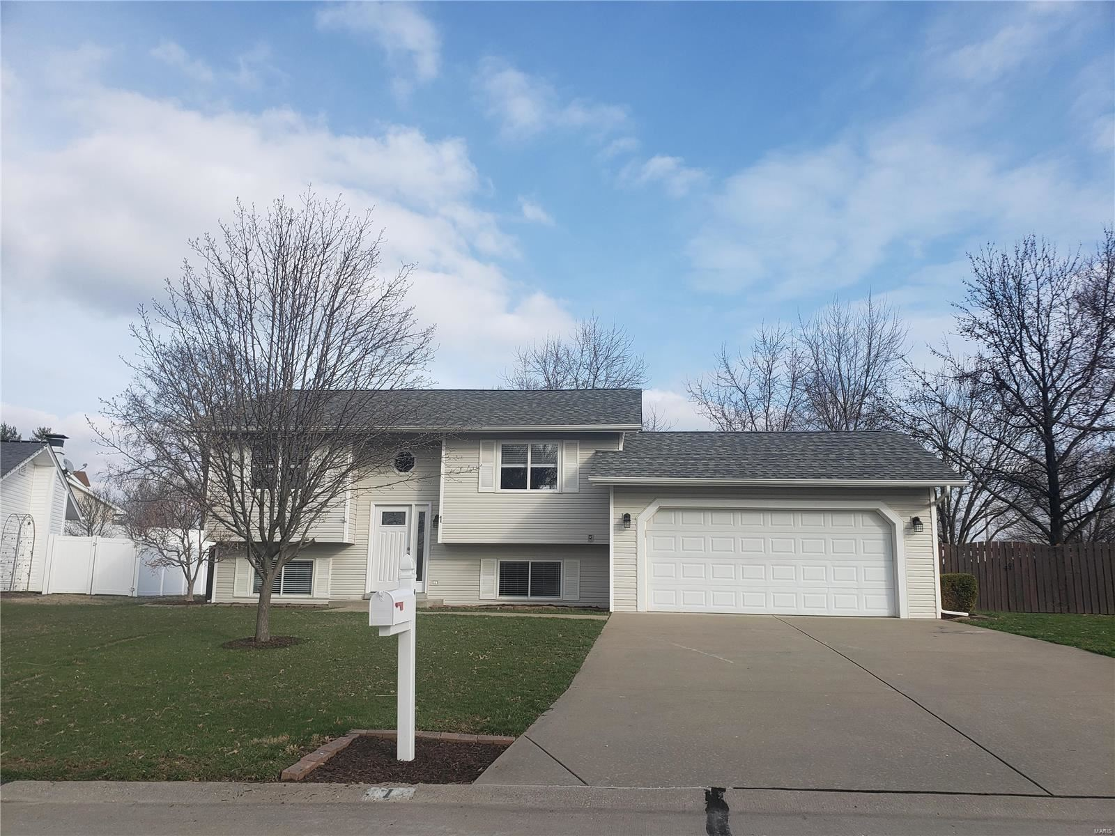 1 Summer Forest Court, Saint Charles, MO 63304 - MLS#: 20017448