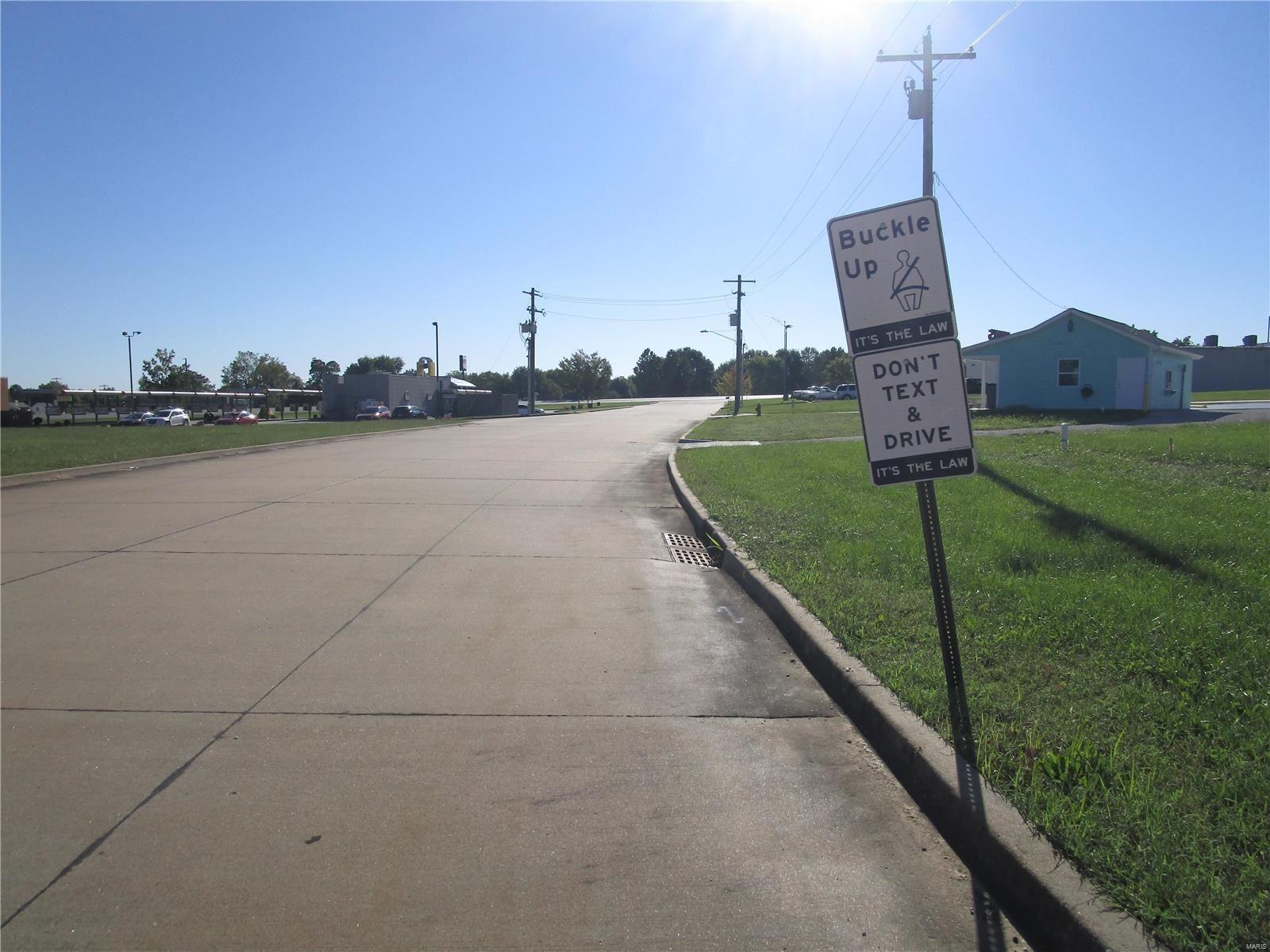 Photo of 0 Progress, Perryville, MO 63775 (MLS # 21068469)