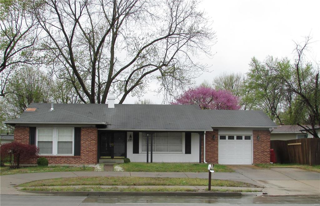 Photo for 2575 Patterson Road, Florissant, MO 63031 (MLS # 19026484)