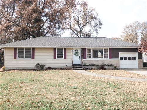 Photo of 443 South Wood Street, Nashville, IL 62263 (MLS # 19085493)