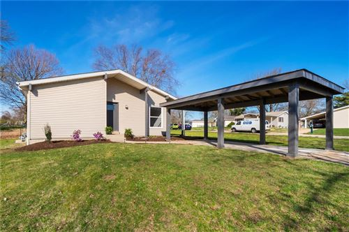 Photo of 2492 Manthorne Court, Florissant, MO 63031 (MLS # 20021494)