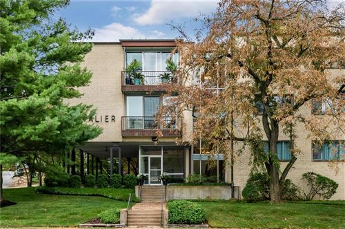 Photo of 550 S Brentwood, St Louis, MO 63105 (MLS # 21064524)