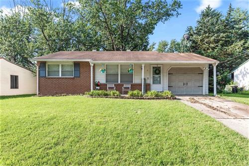 Photo of 6 Hill Place, Wentzville, MO 63385 (MLS # 21052536)
