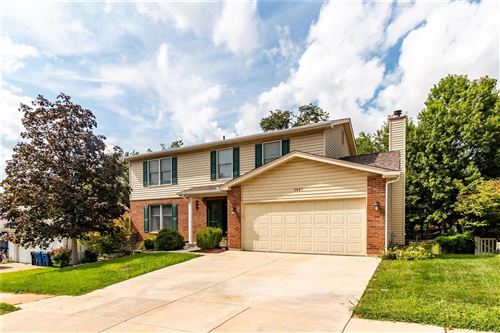 Photo of 3021 Silver Bow Court, Oakville, MO 63129 (MLS # 21066540)