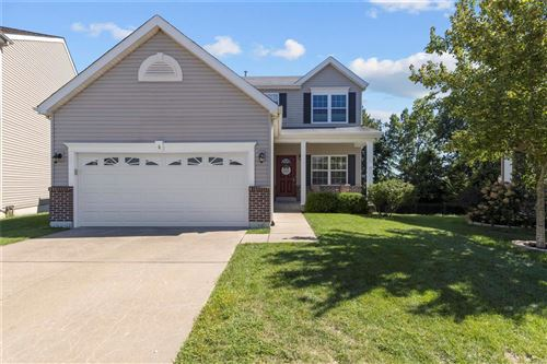 Photo of 8 Pallardy, St Charles, MO 63303 (MLS # 20055547)