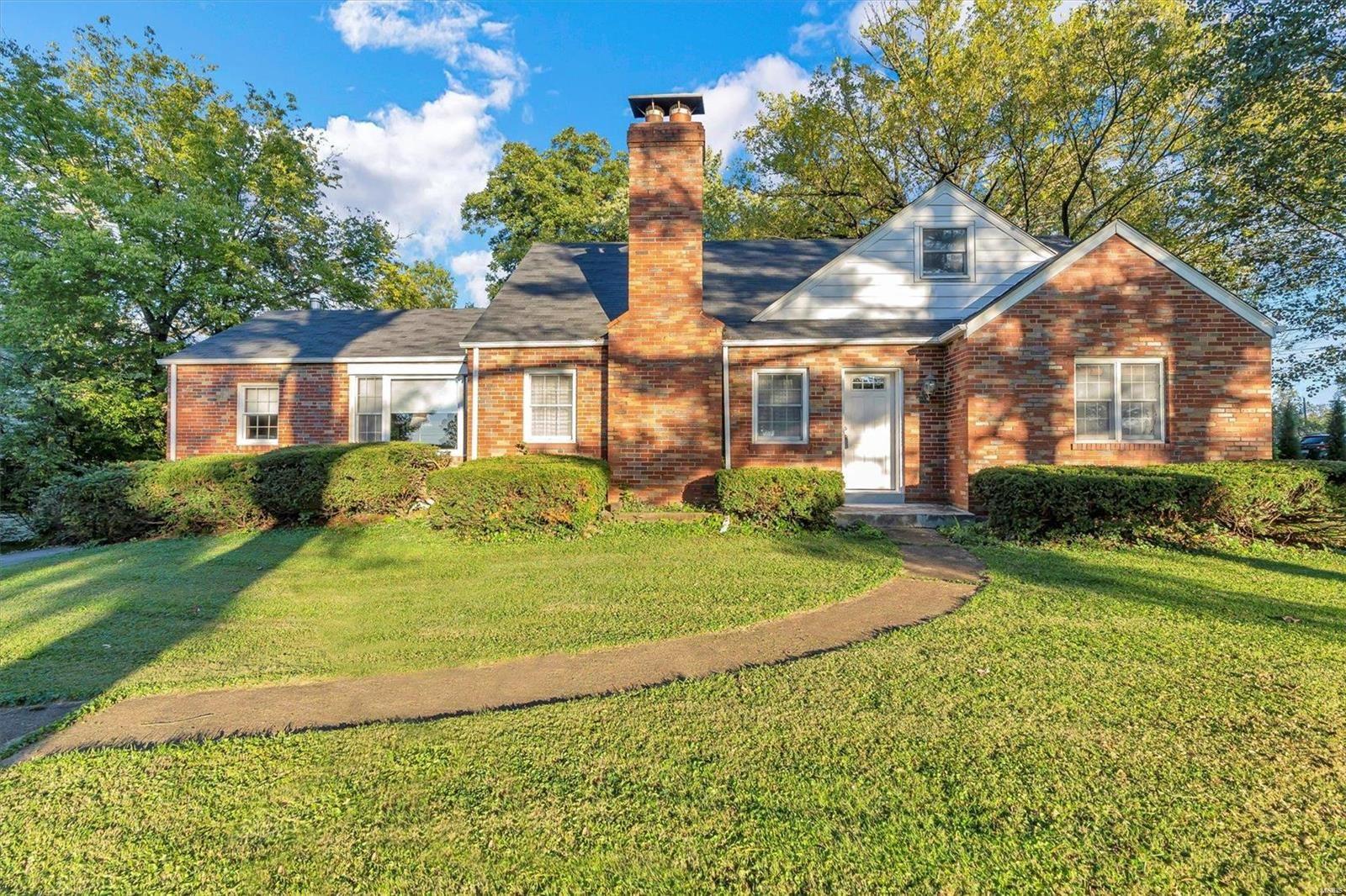 26 Sappington Acres Drive, Saint Louis, MO 63126 - MLS#: 21060549