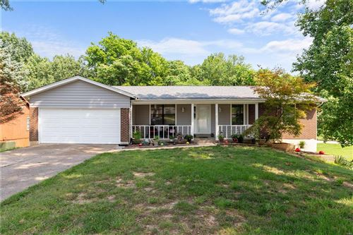 Photo of 40 Spring Way Drive, St Peters, MO 63376 (MLS # 21052560)