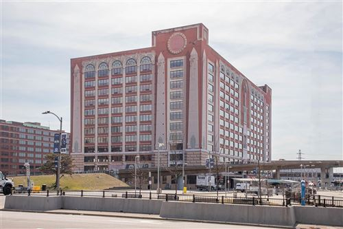 Photo of 400 South 14th Street #1218, St Louis, MO 63103 (MLS # 21008565)