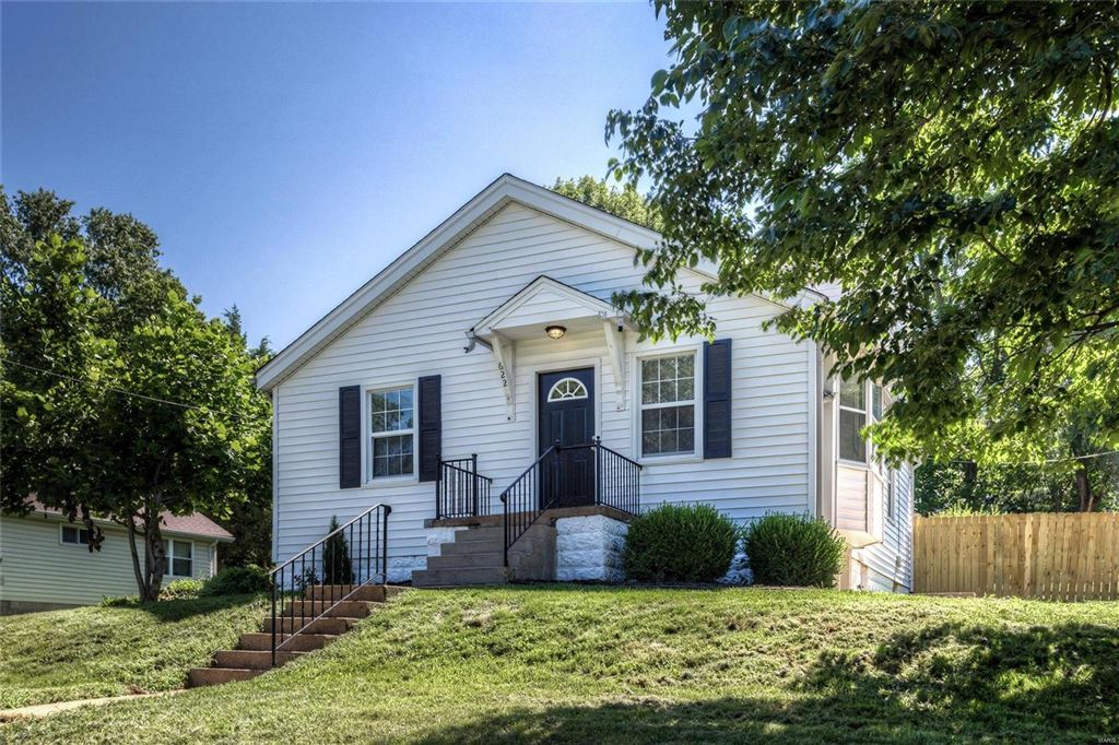 Photo for 622 Edna Avenue, St Louis, MO 63122 (MLS # 19052594)