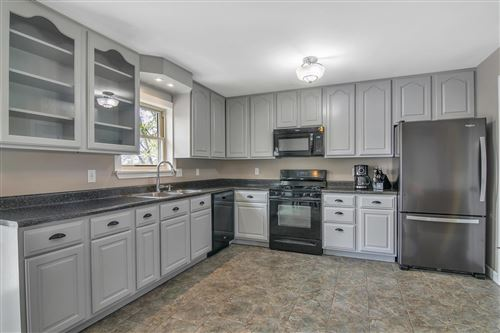 Photo of 3047 Valley Vista Dr N, St Peters, MO 63376 (MLS # 20023595)
