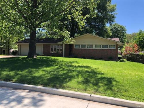 Photo of 1717 Lyndhurst Drive, Cape Girardeau, MO 63701 (MLS # 21031599)