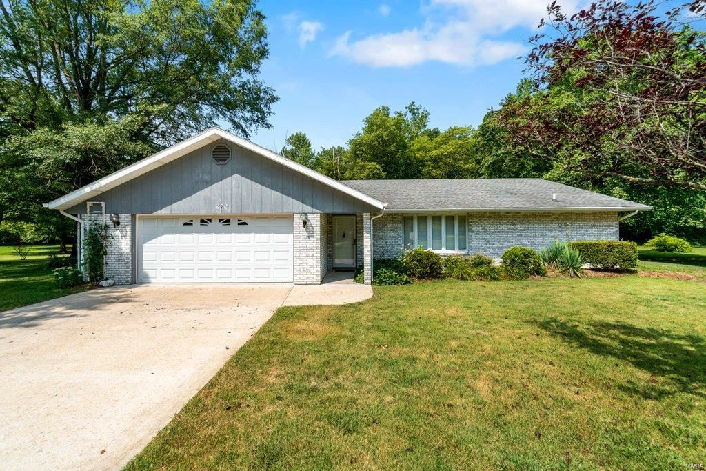 Photo for 272 Rockport, Cape Girardeau, MO 63701 (MLS # 21049605)