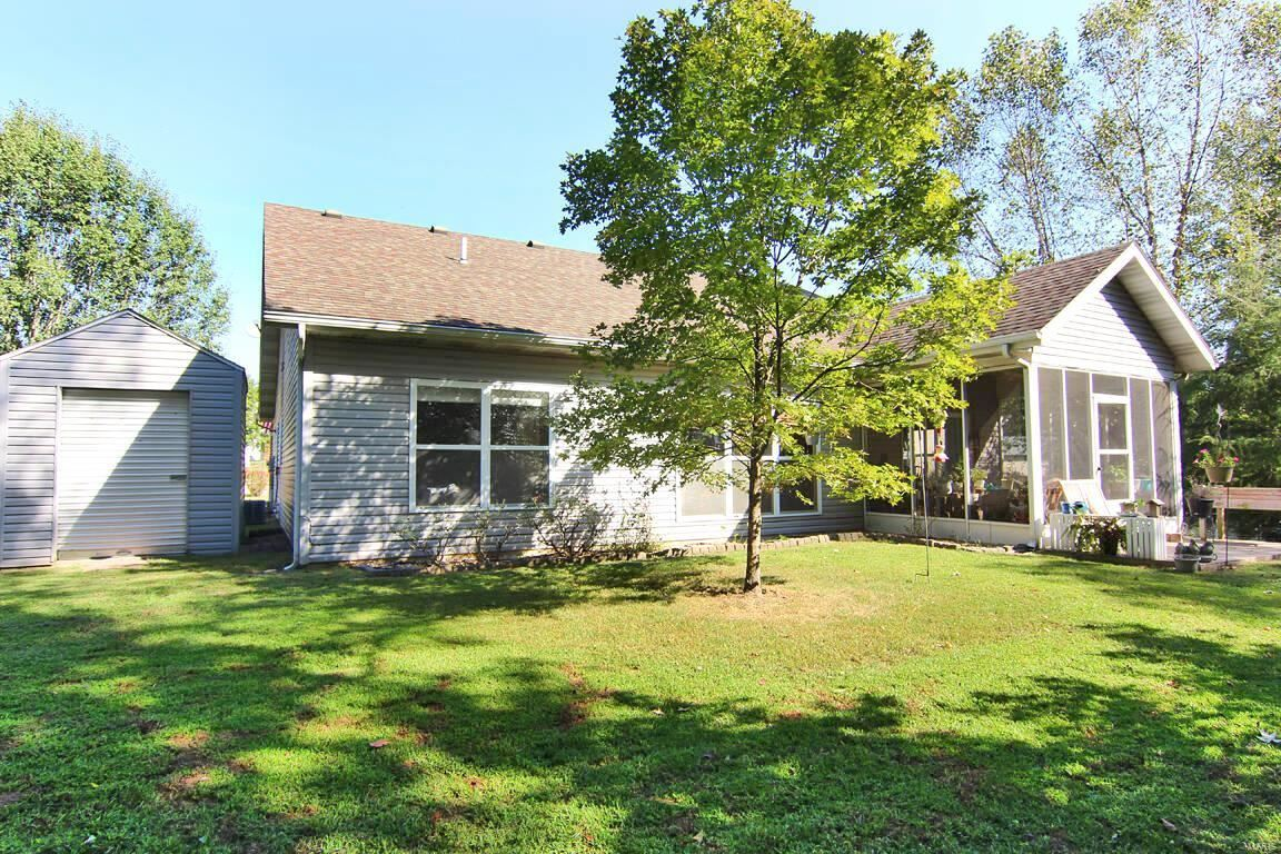 Photo of 112 Hollyvale Drive, Cape Girardeau, MO 63701 (MLS # 21066616)