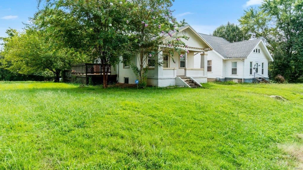 Photo of 1022 N Middle Street, Cape Girardeau, MO 63701 (MLS # 21054623)