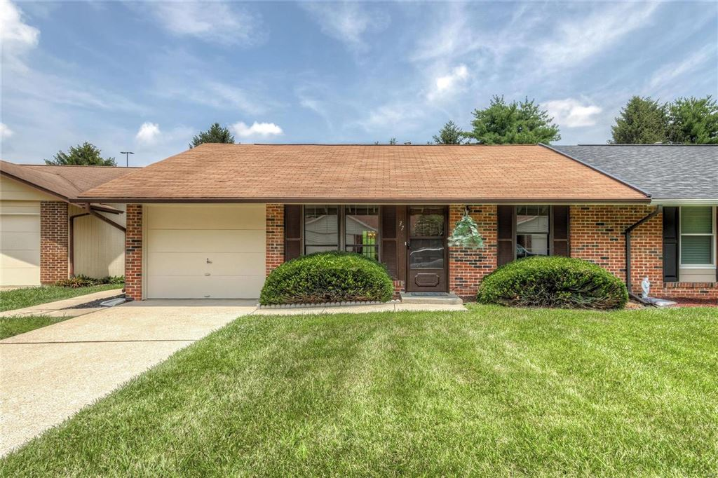 Photo for 37 Telluride Drive, St Peters, MO 63376 (MLS # 19052634)