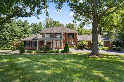 Photo of 47 Muirfield Lane, Town and Country, MO 63141 (MLS # 20063644)