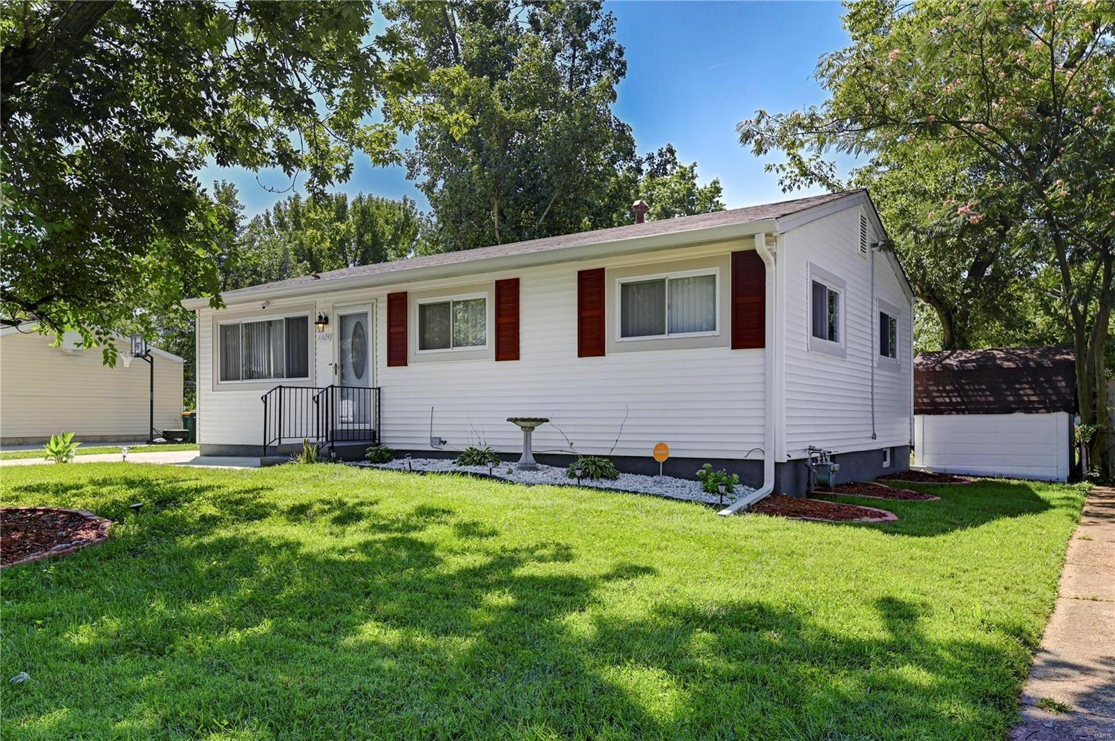 1424 Widefields Lane, Saint Louis, MO 63138 - MLS#: 21020649