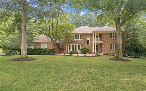 Photo of 98 Meadowbrook Country Club Est, Ballwin, MO 63011 (MLS # 20052650)
