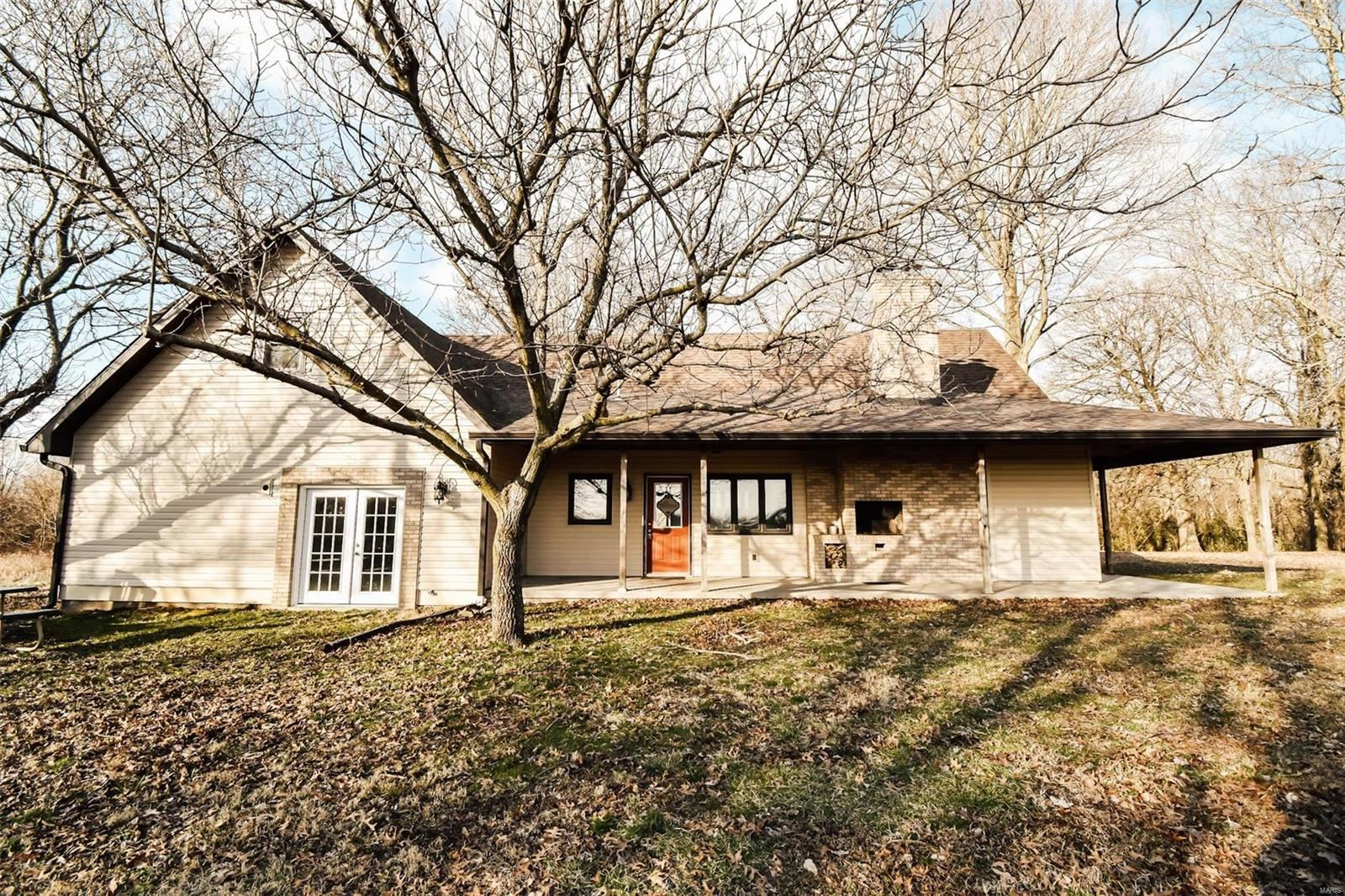 Photo for 579 County Rd 105E, Bluford, IL 62814 (MLS # 20004655)
